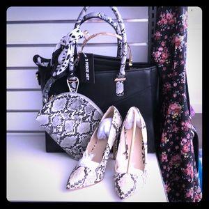 Fun stylish Alyssa Nicole purse set🔥